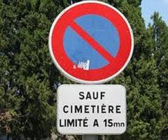 panneau interdiction stationnement cimetière