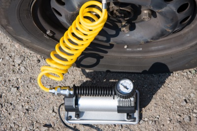 Pression des pneumatiques ca devrait tre automatique - Gonfleur pneu voiture castorama ...