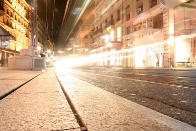 conduire-en-ville-de-nuit